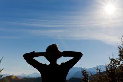 スマホ依存症を自力で治して克服する方法は?