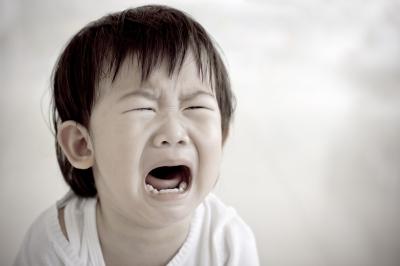かんしゃくを起こす発達障害の子どもへの対応や対処法は?