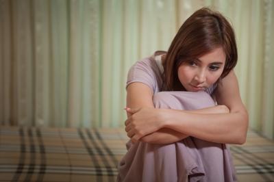 統合失調症の陰性症状とは?やる気や意欲低下、感情鈍麻(感情障害)も