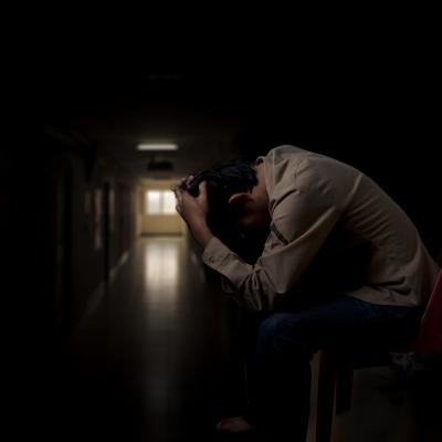自傷行為(リストカット)や自殺も多い病気、統合失調症の症状